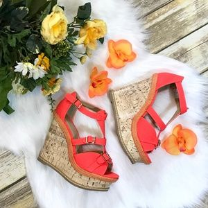 💕NEW Gorgeous Shoe Dazzle Coral Wedges w/ Buckles